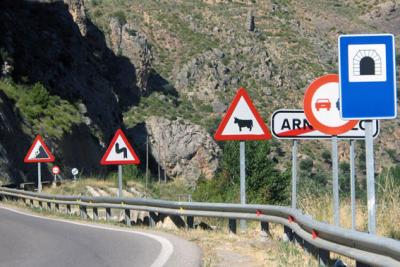 Road safety | Vertical road signs and indications